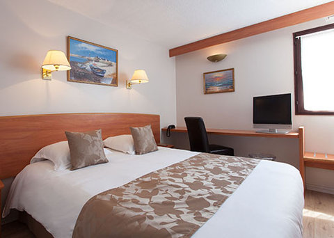 Comfort Hotel Cergy Pontoise - guest room
