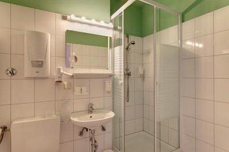 Hotel Carolinenhof - Bathroom