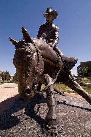 Best Western Santa Fe Inn Hotel - Amarillo AQHA Statue