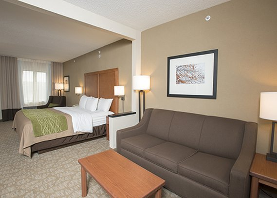 Comfort Inn & Suites - West Chester, OH