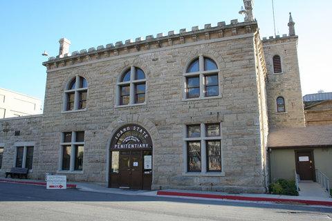 BEST WESTERN Northwest Lodge - Local Attraction