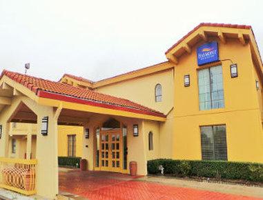 Baymont Inn & Suites Grand Prairie - Welcome to  Baymont Inn and Suites Grand Prairie