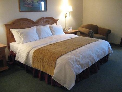 Crossings by GrandStay Inn and Suites - Waseca, MN