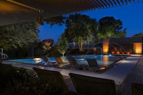 Radisson Hotel & Suites Austin Downtown - Pool Night