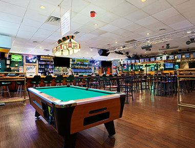 Days Inn Butler Conference Center - Bar