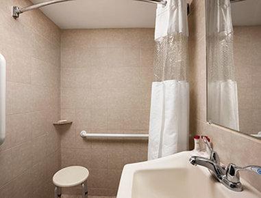Hampton inn suites rockville centre in rockville centre for Capri lynbrook motor inn