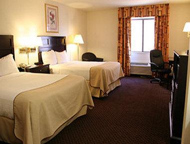 Baymont Inn & Suites Battle Creek Downtown - Standard 2 Double Bed Room