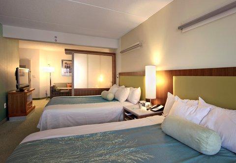 SpringHill Suites Athens - Queen Queen Suite Sleeping Area