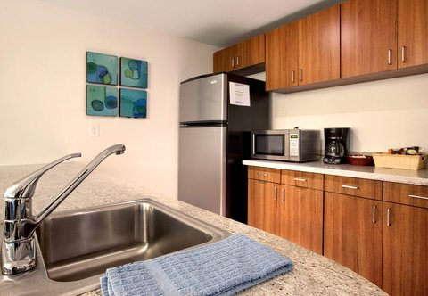 SpringHill Suites Athens - Presidential Suite Kitchen
