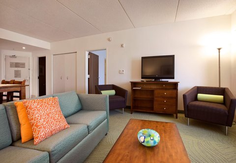 SpringHill Suites Athens - Presidential Suite Living Area