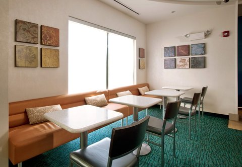 SpringHill Suites Athens - Dining Area
