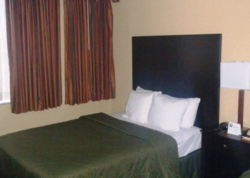 Comfort Suites Downtown - Room