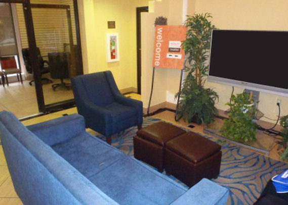 Comfort Inn & Suites Downtown Lobby