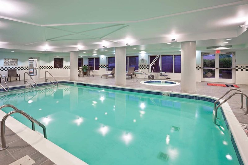 Holiday Inn Express Suites Clifton Park In Clifton Park Ny 12065 Citysearch