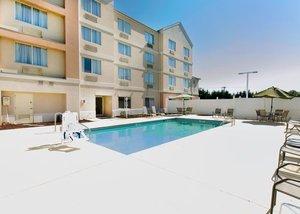 Pool - Quality Inn & Suites Spartanburg