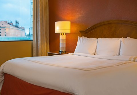 Baltimore Marriott Inner Harbor at Camden Yards - Larger King Guest Room