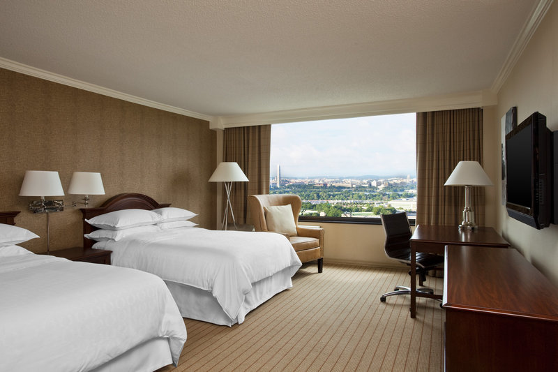Sheraton Pentagon City Hotel View of room
