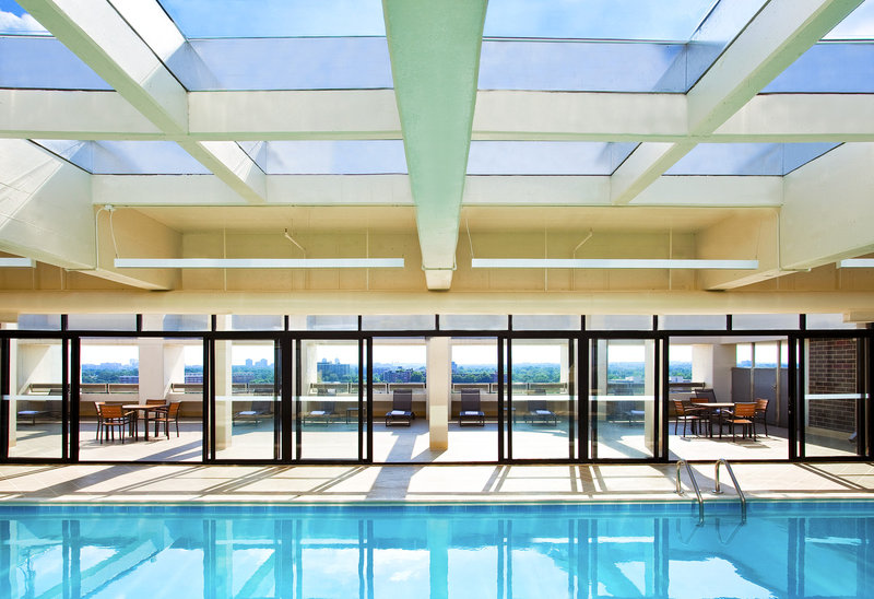 Sheraton Pentagon City Hotel View of pool