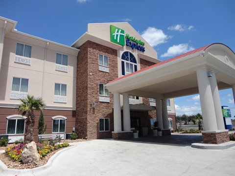 Holiday Inn Express KENEDY - Welcome to the all new Holiday Inn Express in Kenedy Texas