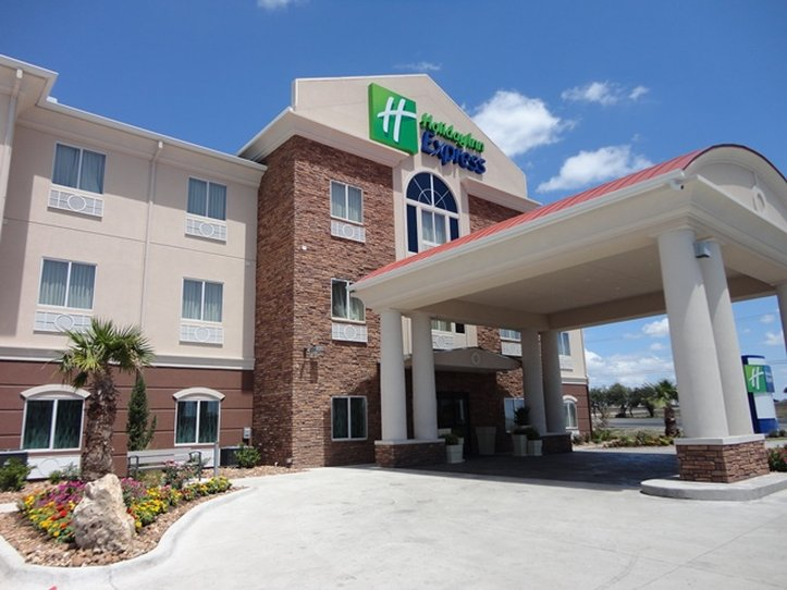 Holiday Inn Express Kenedy - Kenedy, TX
