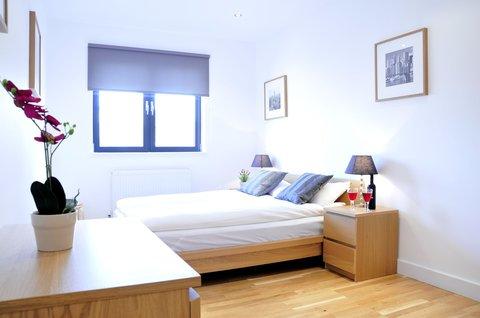 Whitechapel Central Apartments - Exterior
