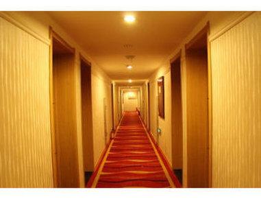 Super 8 Hotel Shenyang Xi Ta - Hallway