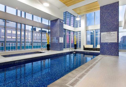 Courtyard Downtown Marriott - Indoor Pool