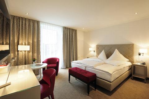 Kastens Hotel Luisenhof - Deluxe Room at Kastens Hotel Luisenhof
