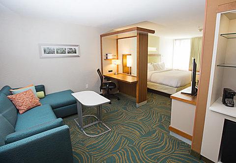 SpringHill Suites Bloomington - King Suite   Living Area