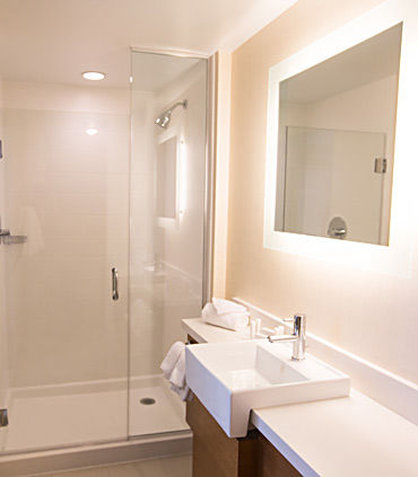 SpringHill Suites Bloomington - Guest Bathroom with Shower