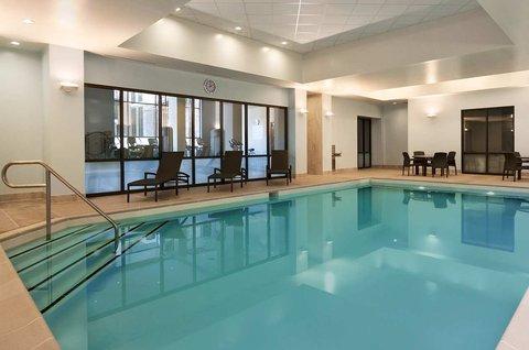 Embassy Suites Springfield - Indoor Pool