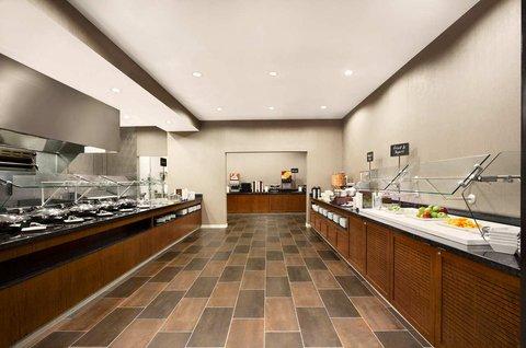 Embassy Suites Springfield - Breakfast Area