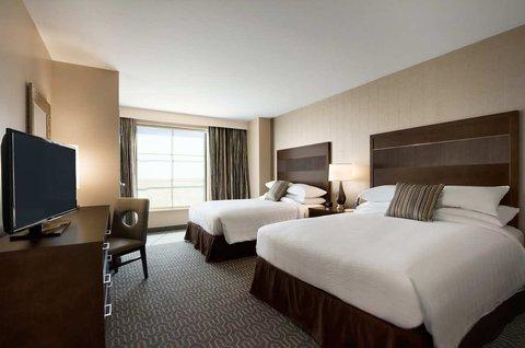 Embassy Suites Springfield - Queen Beds
