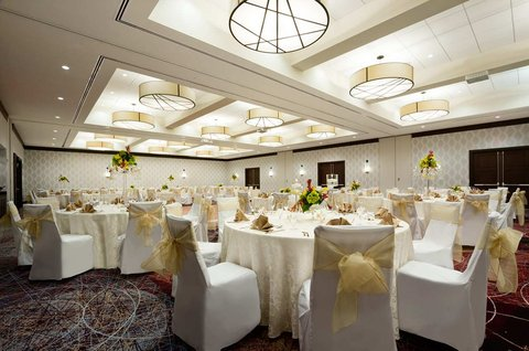 Embassy Suites Springfield - Reception Area