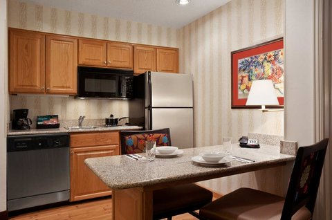 Homewood Suites by Hilton Fort Myers - Full Kitchen Area