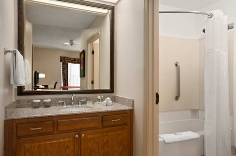 Homewood Suites by Hilton Fort Myers - Bathroom and Vanity