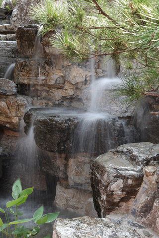 Lv Garden Huanghuali Art Galle - Garden Waterfalls
