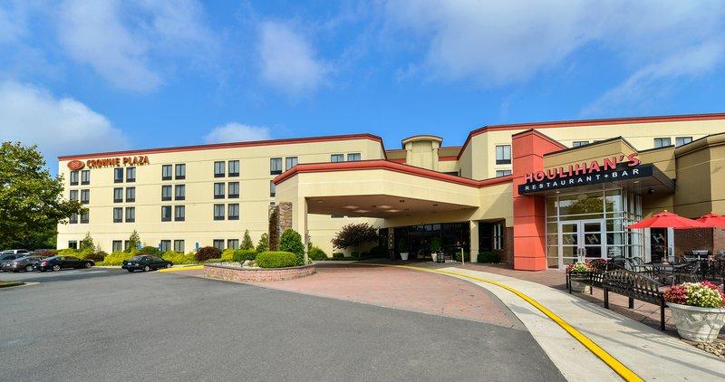 Crowne Plaza Hotel Dulles Airport Vista exterior