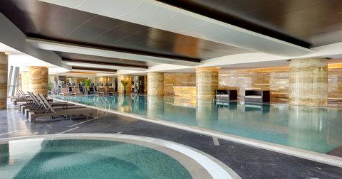 Sheraton Changchun Jingyuetan Hotel - Pool