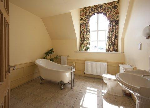 Celbridge Manor Hotel - Bathroom