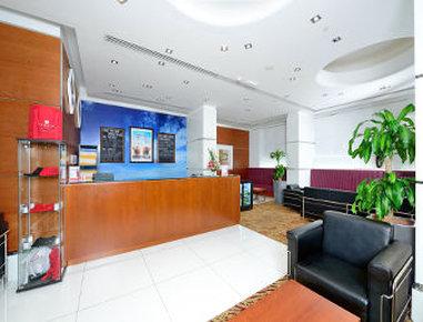 Ramada Hotel Apartments Sharjah Buitenaanzicht