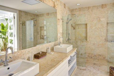 Tortuga Bay Hotel - Bathroom - EFG-4