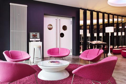 25hours Hotel Hamburg No 1 - Lobby