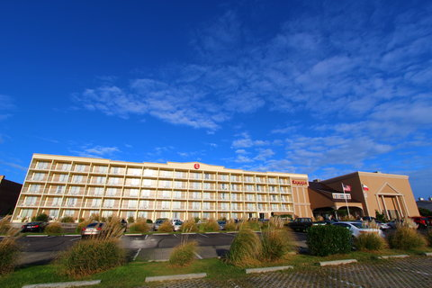 Ramada Plaza Nags Head Oceanfront - Exterior view from the Beach Road
