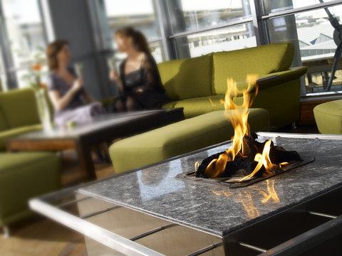 拉迪森萨斯机场酒店 - Wind down in a relaxing atmosphere