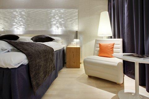 拉迪森萨斯机场酒店 - Naturally cool - sleep well