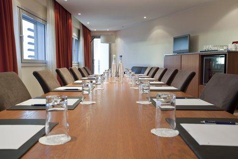 拉迪森萨斯机场酒店 - VIP meeting rooms