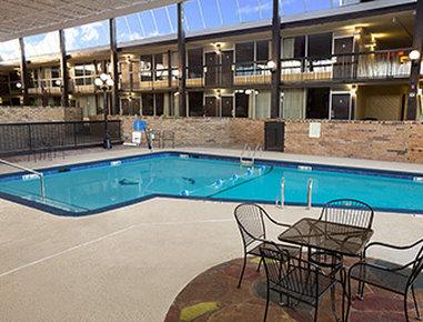 Days Inn Henryetta - Pool