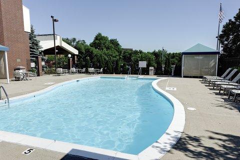 LivINN Hotel Sharonville - LivINN Sharonville Pool