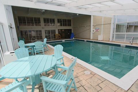 Ramada Plaza Nags Head Oceanfront - Indoor pool